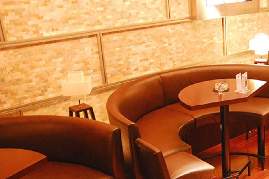 バッドガールズ (Campus Cafe BADD GIRLS 六本木)内装画像