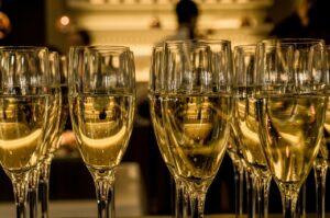 あなたもアルマンド姉さんに!最高級シャンパンの種類や人気の秘密