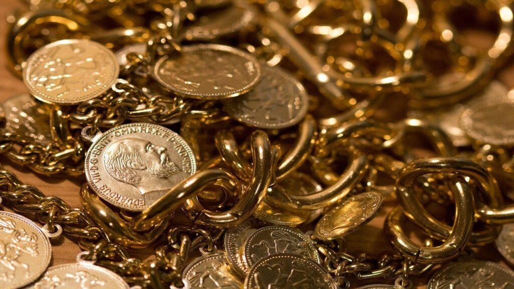 キャバクラの時給ってどれくらい!?金持ちキャバ嬢、貧乏キャバ嬢の収入を大公開!