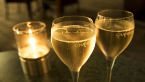 【キャバ嬢必見!】キャバクラでよく出るシャンパンはどれ?定番シャンパンの価格相場とシャンパンで稼ぐコツを解説