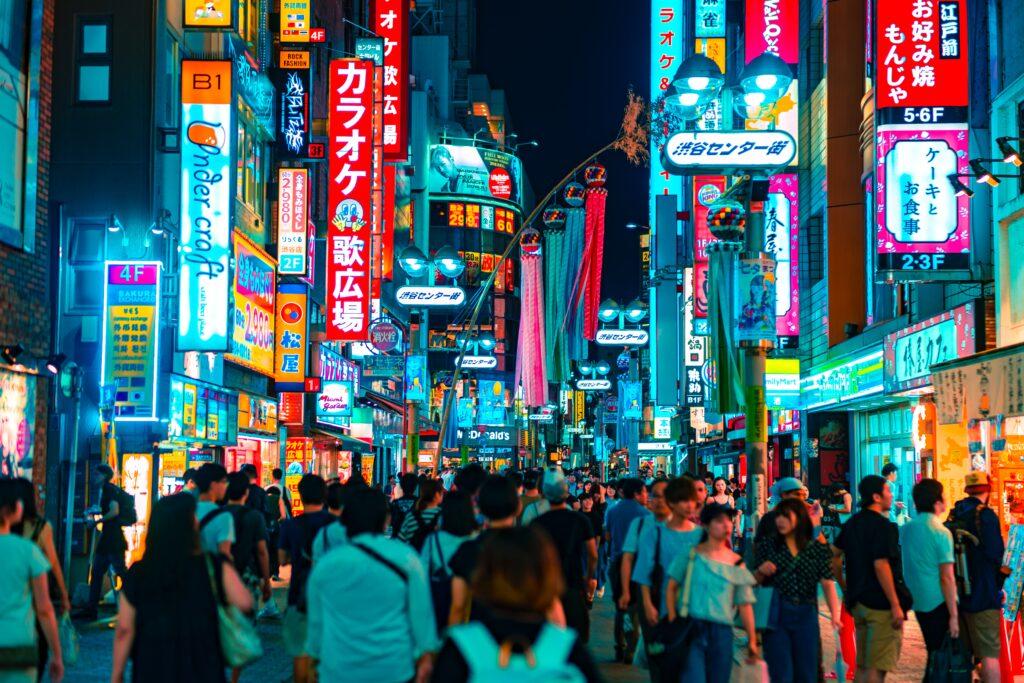 【2021年最新版】上野エリアのおススメキャバクラ求人店舗はこれ。意外と高時給な上野エリアで自分に合った店を探そう!